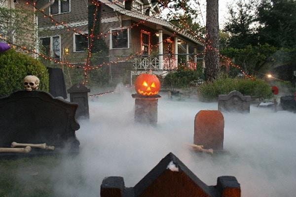 halloween decorating tips handyman tips. Black Bedroom Furniture Sets. Home Design Ideas