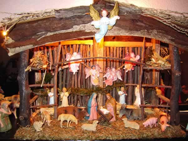 How To Make Christmas Nativity Scene