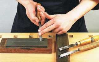 How to sharpen wood carving tools - stropping