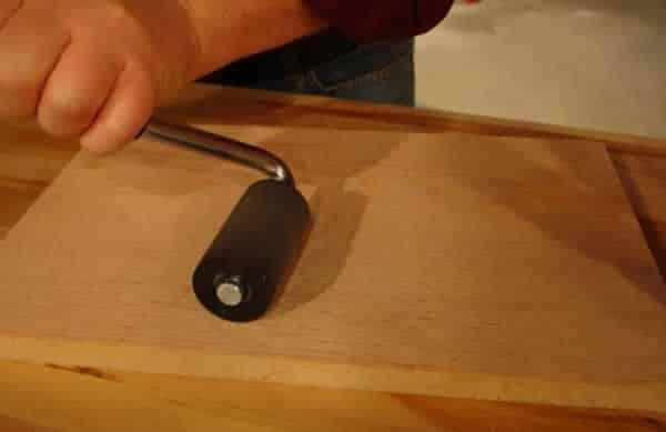 How to apply wood veneer - veneer roller