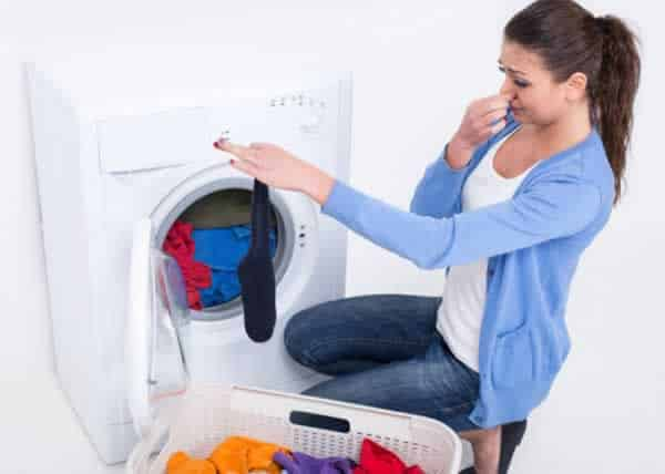 How to clean smelly washing machine