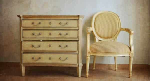 How to choose vintage furniture - dresser