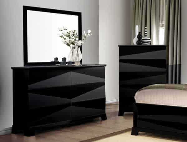 Drawer dresser – ideal storage solution for small spaces