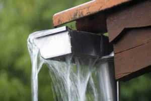 How to clean gutters - gutters overflowing