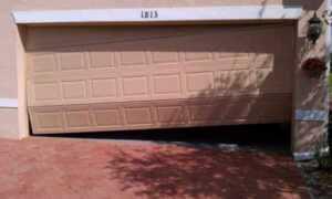 Signs that your garage door needs professional help