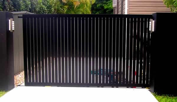 The most popular fence trends - vertical slat fence