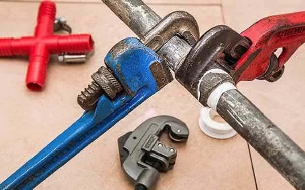 How to fix a plumbing leak - repair