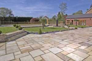 Benefits of installing sandstone paving