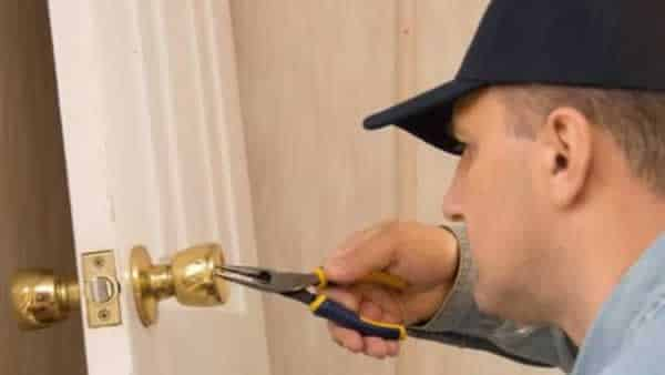 When is the time to call a locksmith