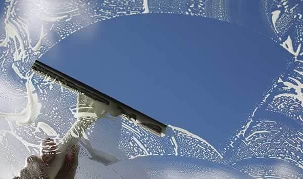 How to clean your windows like a professional window cleaner - squeegee