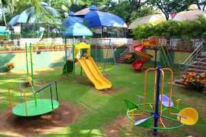 How to maintain commercial playground - small playground