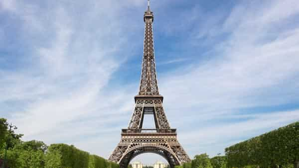 The top 5 steel building in the world - The Eiffel tower
