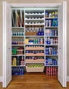 How to organize your kitchen - organized pantry