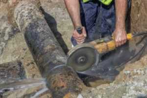 Hazards faced by every plumber - cutting large pipe