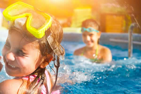 Landscaping tips for pools braving the Texas
