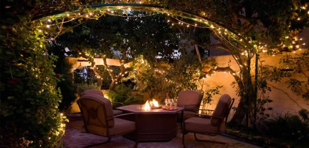 Simple landscaping ideas that could make a difference to your yard - string lights