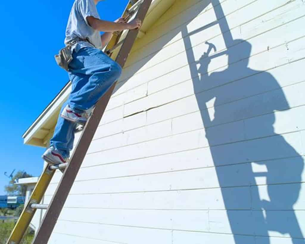 Tools that every roofing contractor should own - ladder