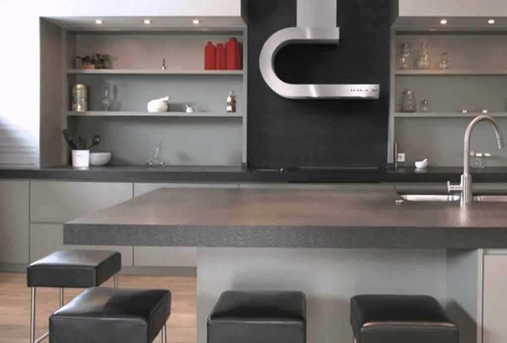 How to pick the perfect range hood during a kitchen remodel - modern hood