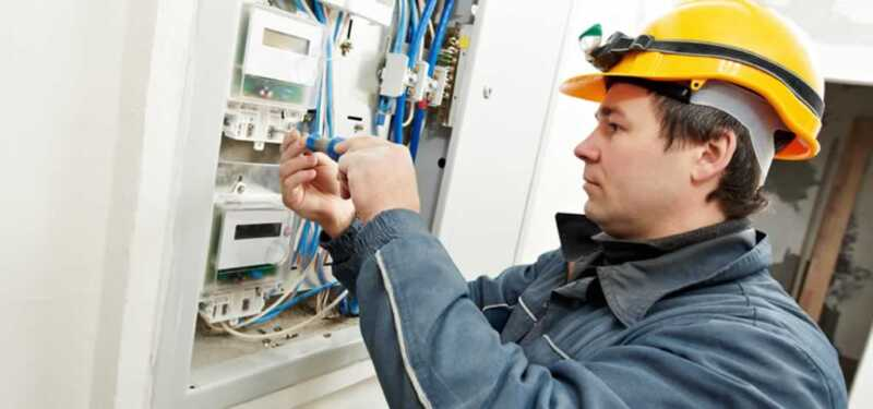 Tips to Hiring an Electrician