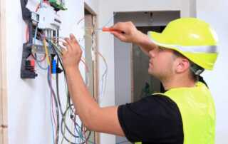 Basic Tips to Hiring An Electrician