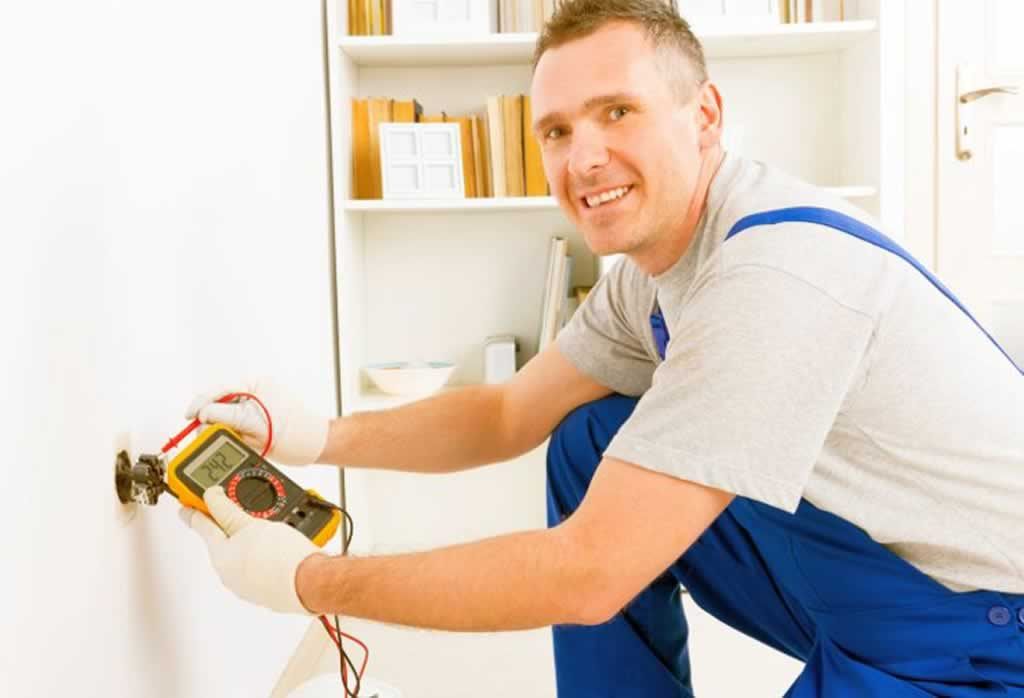 Hiring A Handyman For Electric Services - measuring