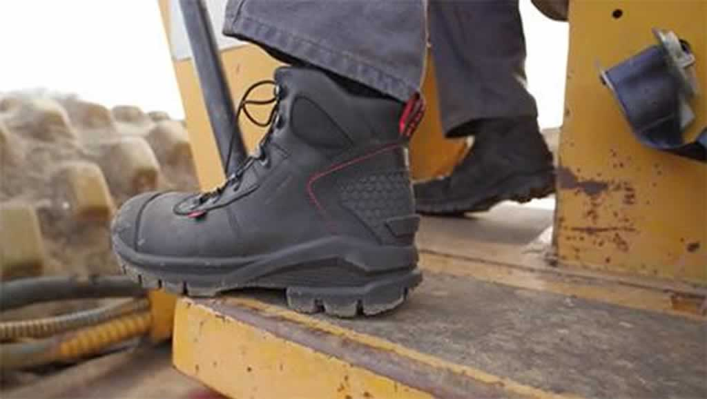 Reasons to Invest in Good Work Boots for Your Next Renovation Project