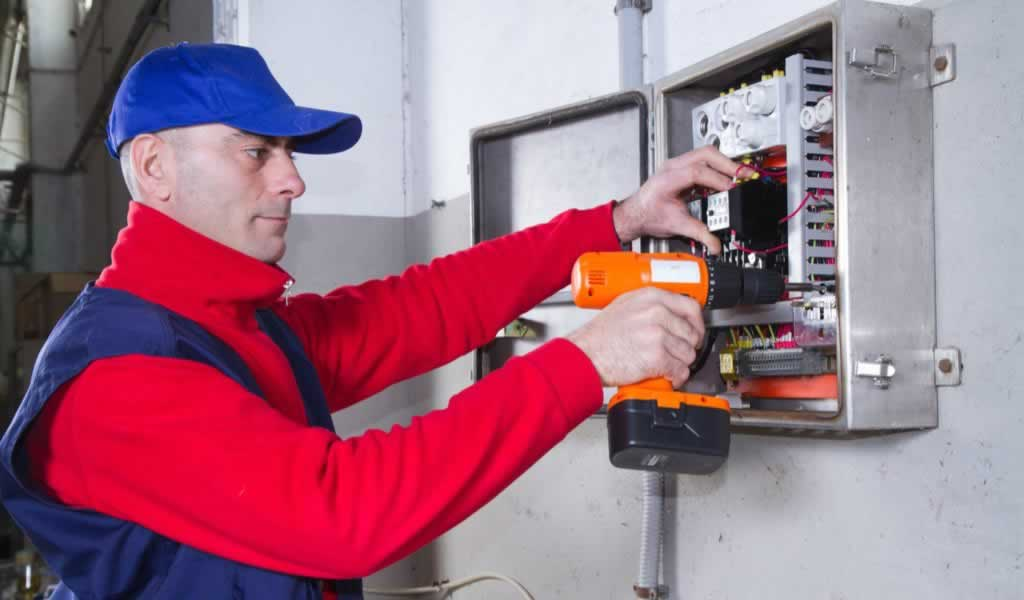 Things to Look For When Hiring an Electrician