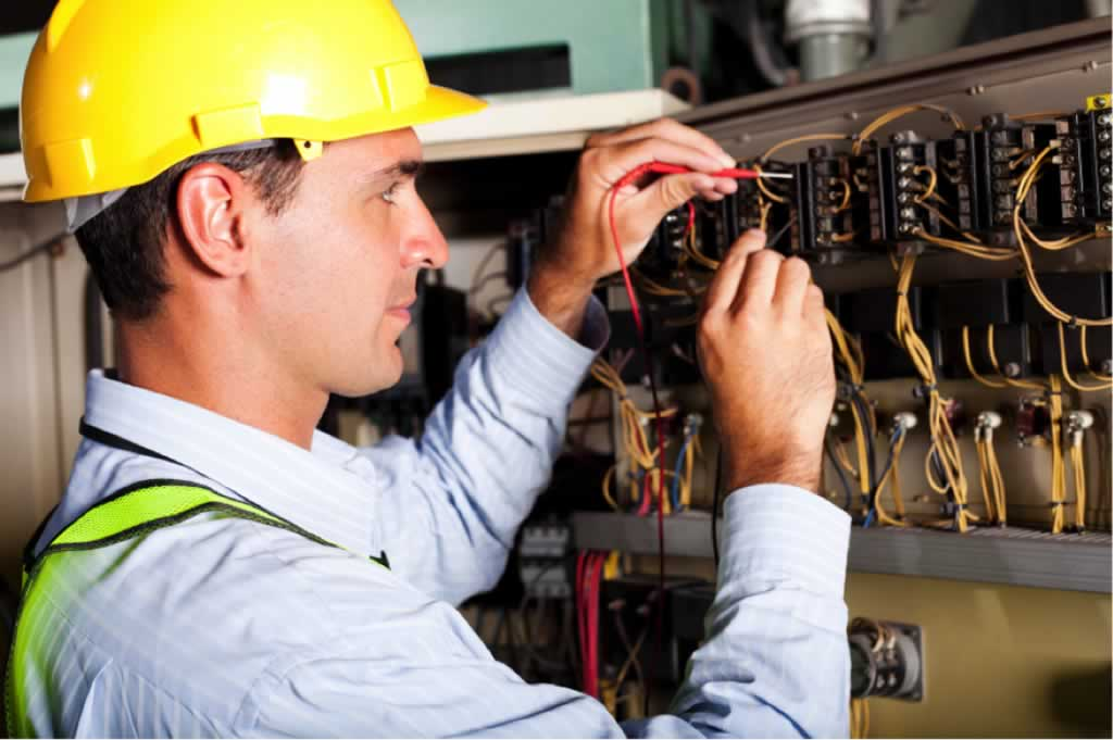 Tips for picking the best electrician for the job - electrician