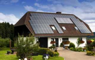 4 things you should know about solar panel installation - roof with solar panels