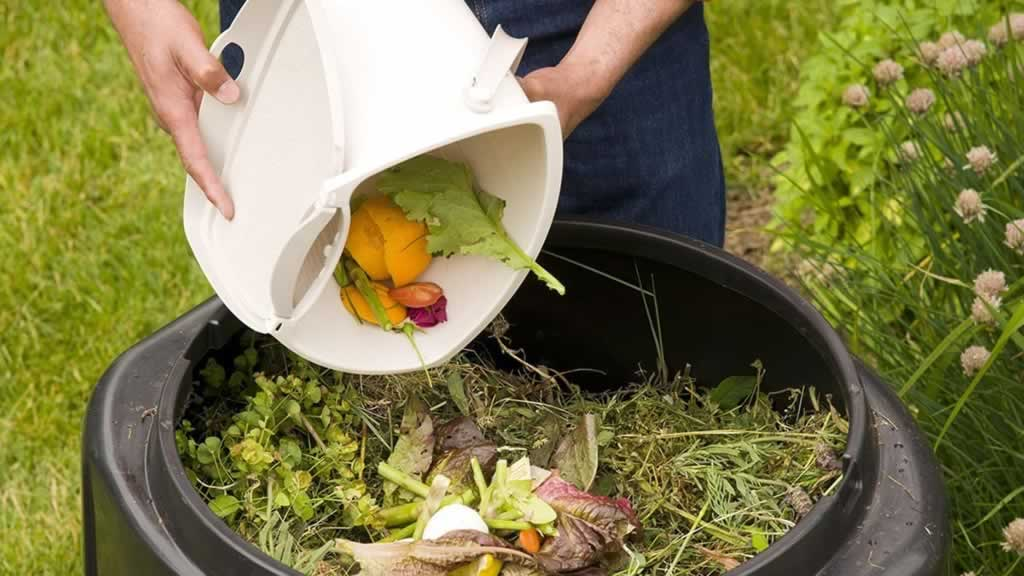 Easy tips to make compost for your garden - composting