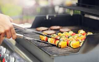 Essential tips on grill selection for your next backyard BBQ - grilling