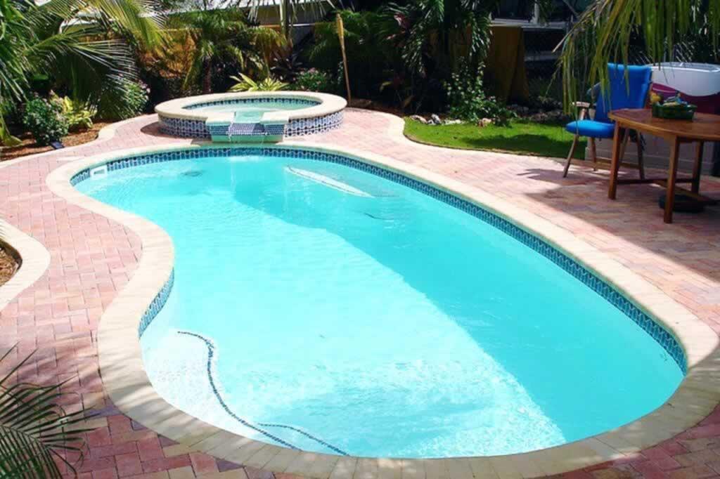 Tips to Resurfacing your Pool