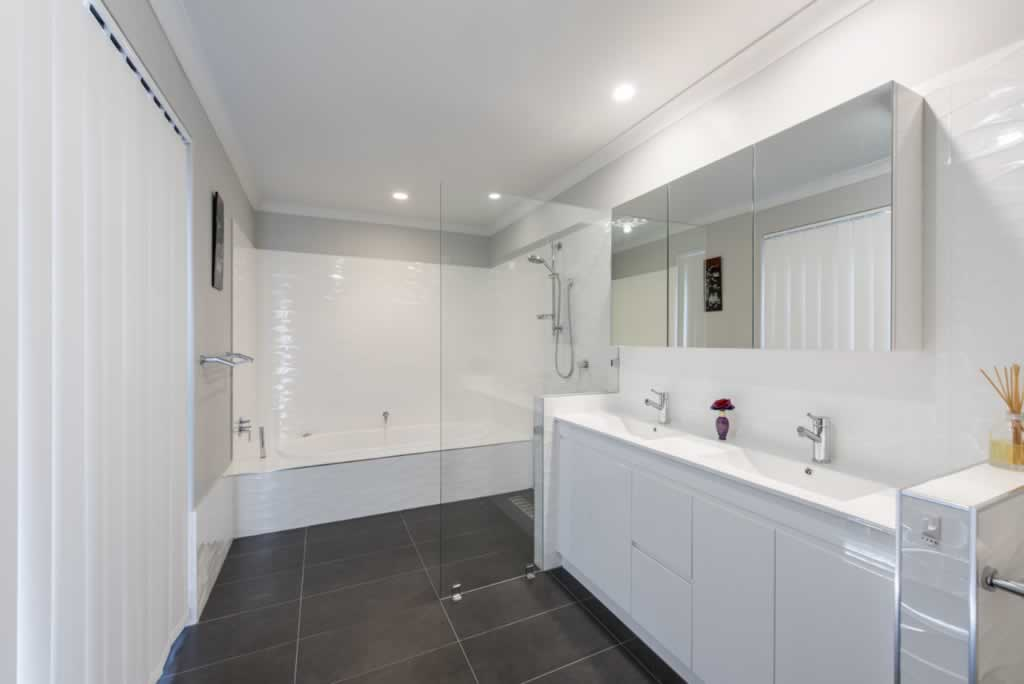 Home ideas on how to renovate your bathroom - small bathroom