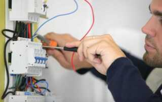 Why You Should Opt for Level 2 Accredited Electricians
