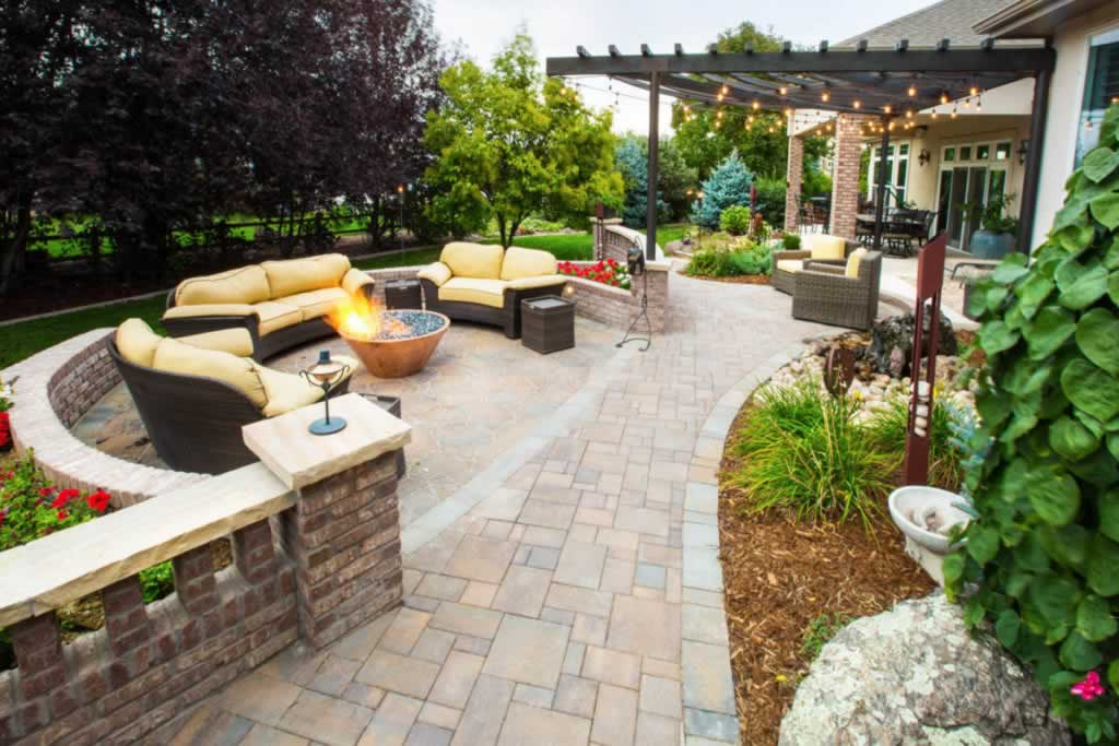 How to choose the perfect landscape - beautiful backyard