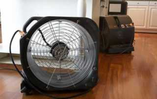 5 tips to drying hardwood floors - dehumidifier