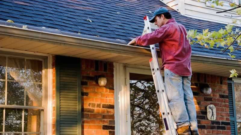 DIY Roof Maintenance to avoid Roof Repairs