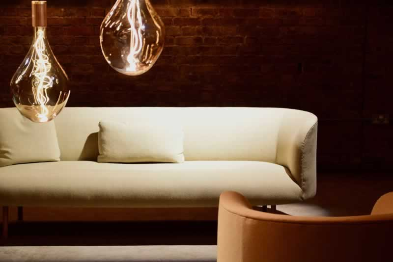 How to choose a good sofa - beautiful white sofa