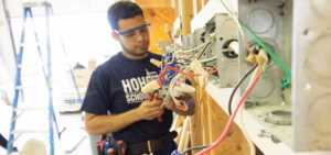 Tips for Finding The Most Reliable Electrician in Your Area