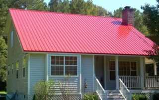 4 Arguments Why a Metal Roof Is Suitable for Smaller Houses