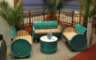 How DIY projects can be challenging but interesting - seating set out of barels
