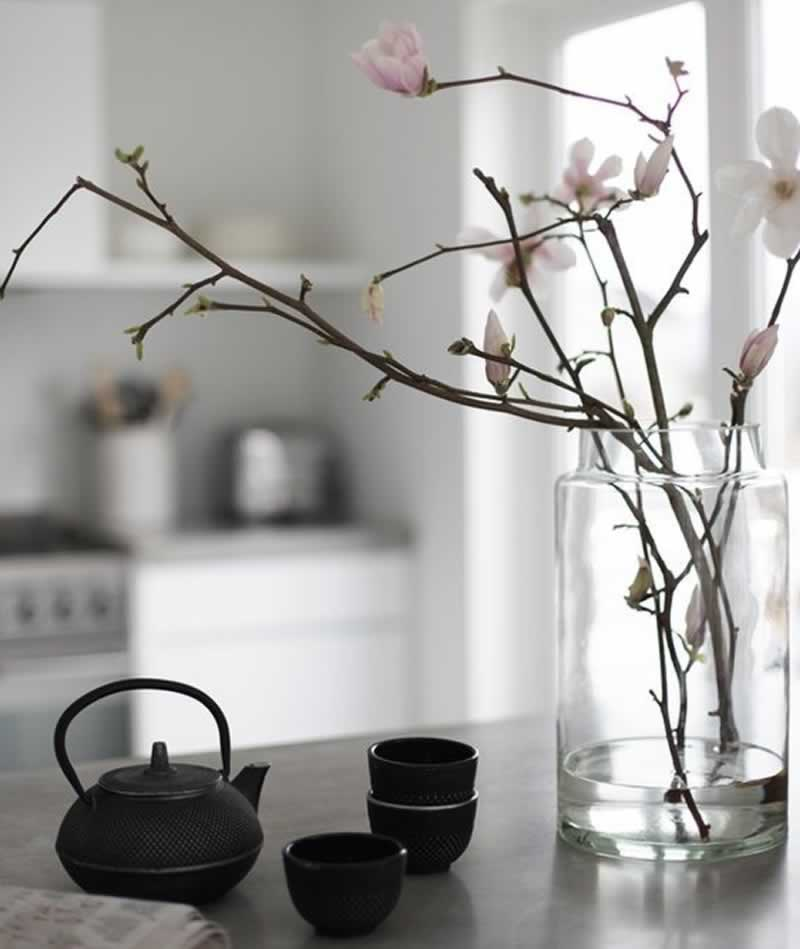12 Fascinating Japanese Style Home Decor Ideas - porcelain