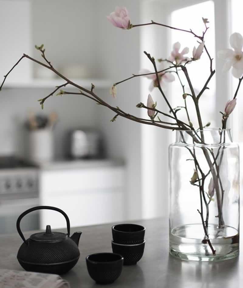 12 Fascinating Japanese Style Home Decor Ideas - porcelain