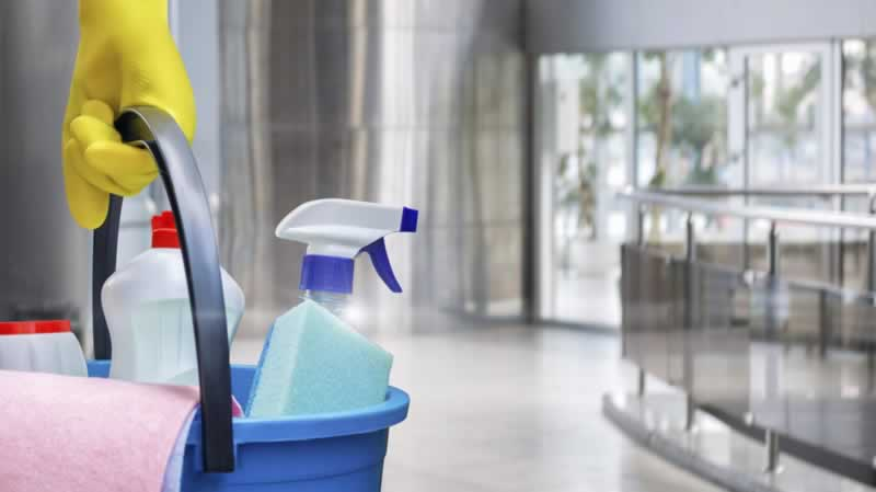 7 Signs That You Need The Help of A Cleaning Service - cleaning