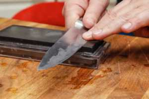 4 Reasons You Should Use Stainless Steel for Your Commercial Kitchen - knife