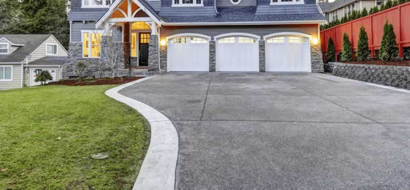 5 Signs You Need Professional Help with Your Driveway