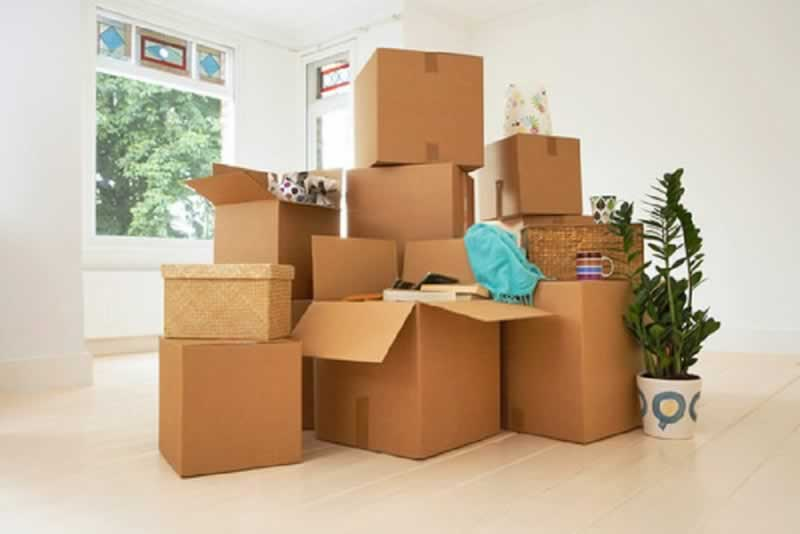 7 essential steps to ensure a successful move - boxes