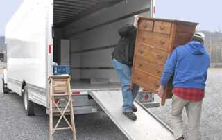 Benefits of Hiring Local Movers in Your Area
