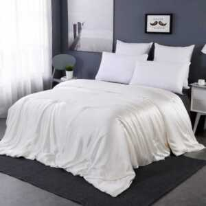 How to choose a silk comforter