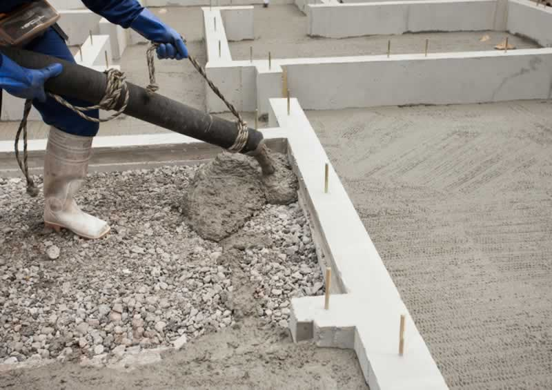 5 mistakes to avoid while handling ready mix concrete - pouring concrete